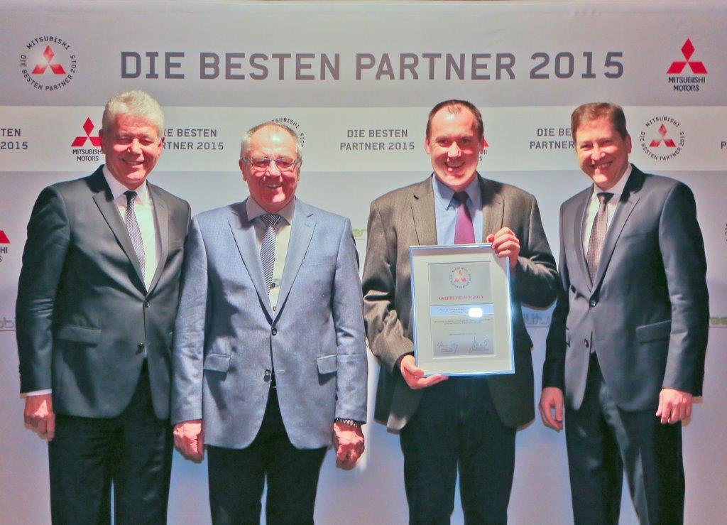 Abbildungshinweis (von links): Werner H. Frey*, Ludwig und Christian Berger, Jens Schulz*